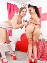 Julie Night and Annie Cruz are crazy nurses from evilangel